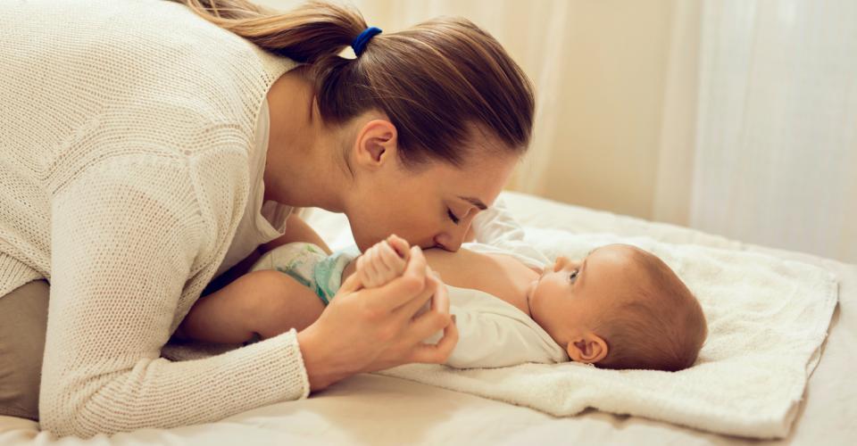 Wie Sich Die Verdauung Deines Babys Entwickelt Urbiade