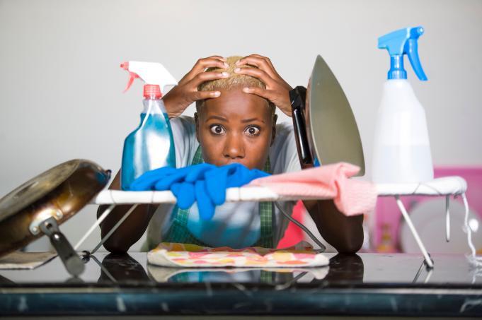 Verzweifelte Hausfrau
